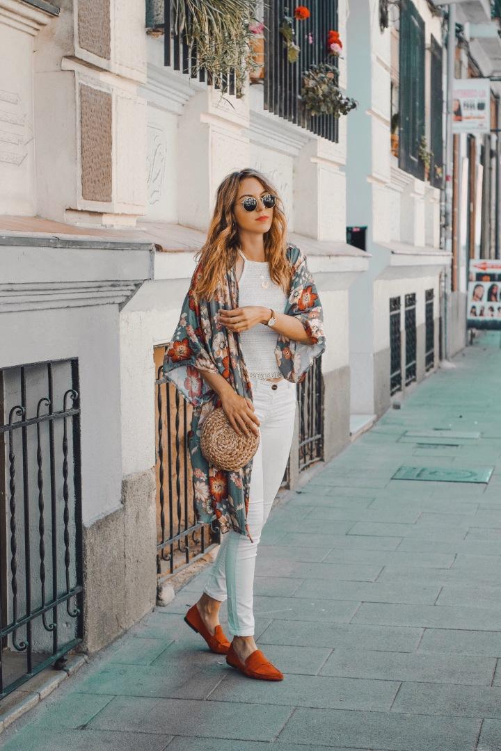 Kimono con toquetropical